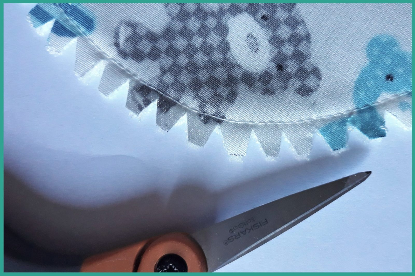 Cranter des coutures courbes